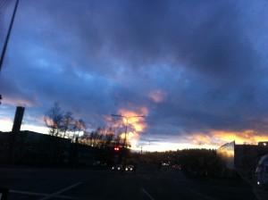 Auringonlasku Maminkartanossa.Taivas liekehti!